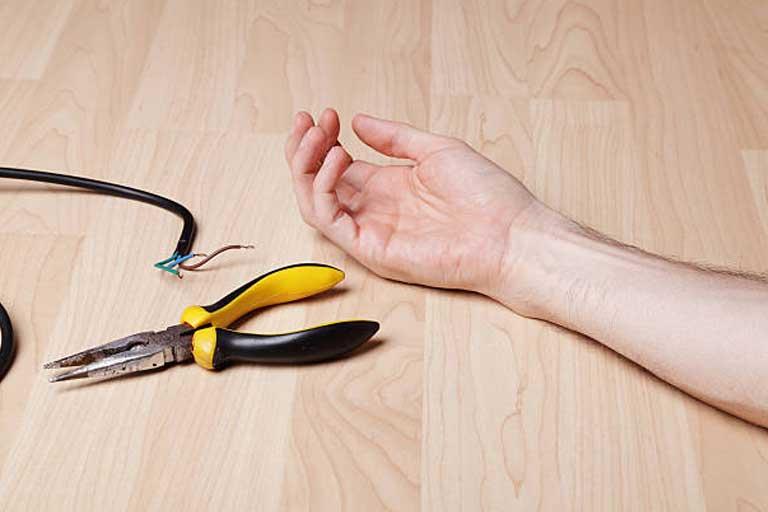 electricians in dubai